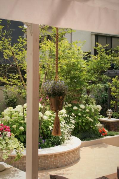 「緑にとけこむアーバンスタイル」ザシーズン お庭 ガーデン アウトドア・リビング