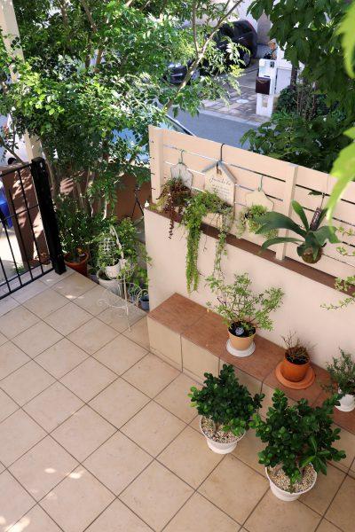 緑が映えるおしゃれなフレンチスタイルのお庭