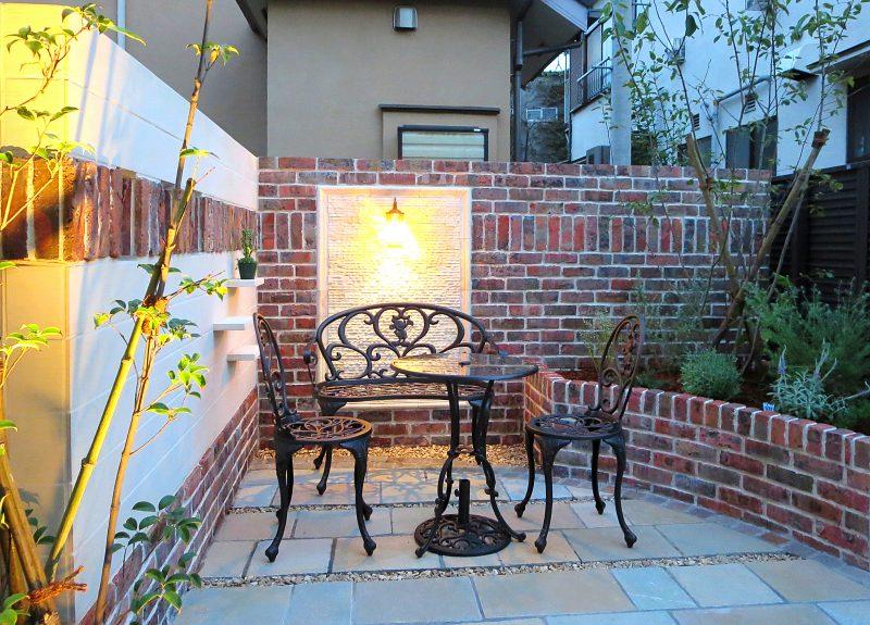 REVIVAL BLOG ◆レンガが映える、杉並区のテラスのお庭(ガーデン) 2020/03/20