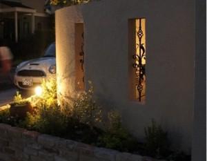 夜景を楽しむライティングされたお庭06