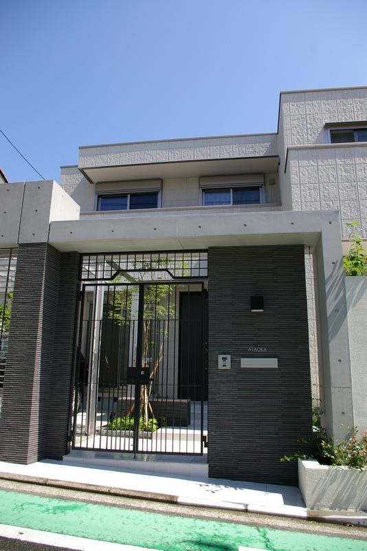 モダンデザインの外構(エクステリア)お庭(ガーデン)横浜市 港北区