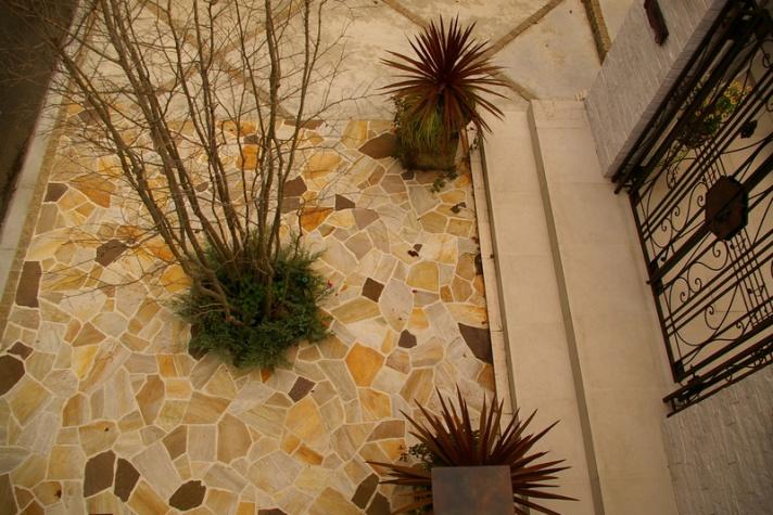 乱形石の床舗装デザイン