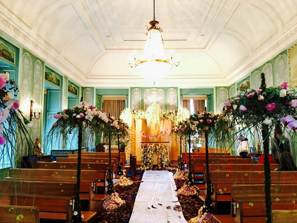 結婚式場 デザイン 花