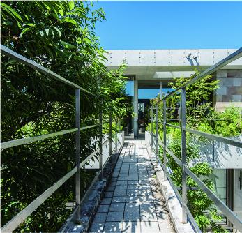 緑豊かな住宅地のシンボルとなる上質な空間