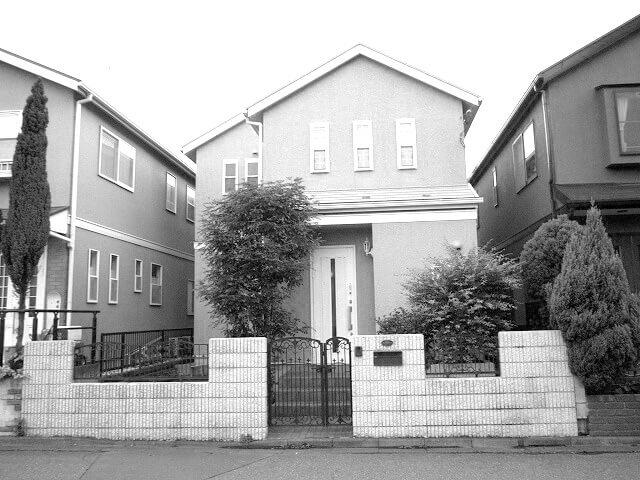 イエローの建物が際立つ外構H様邸