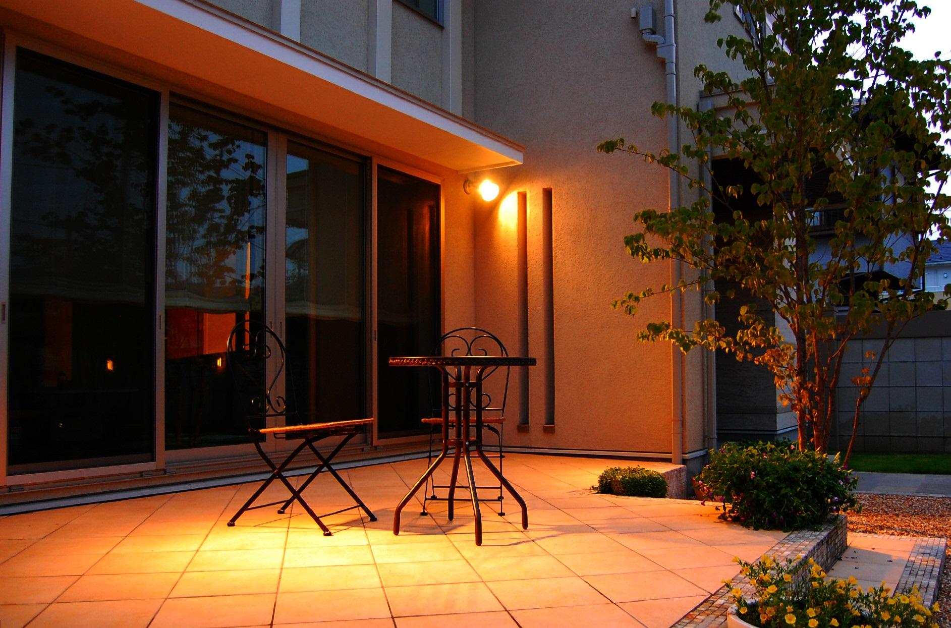 『夏は夜。お庭を楽しむライティング』 ~東京都葛飾、江戸川、足立区の外構とお庭工事~